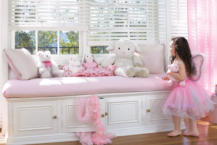 Best window treatments for a girl s room for Best blinds for bedroom