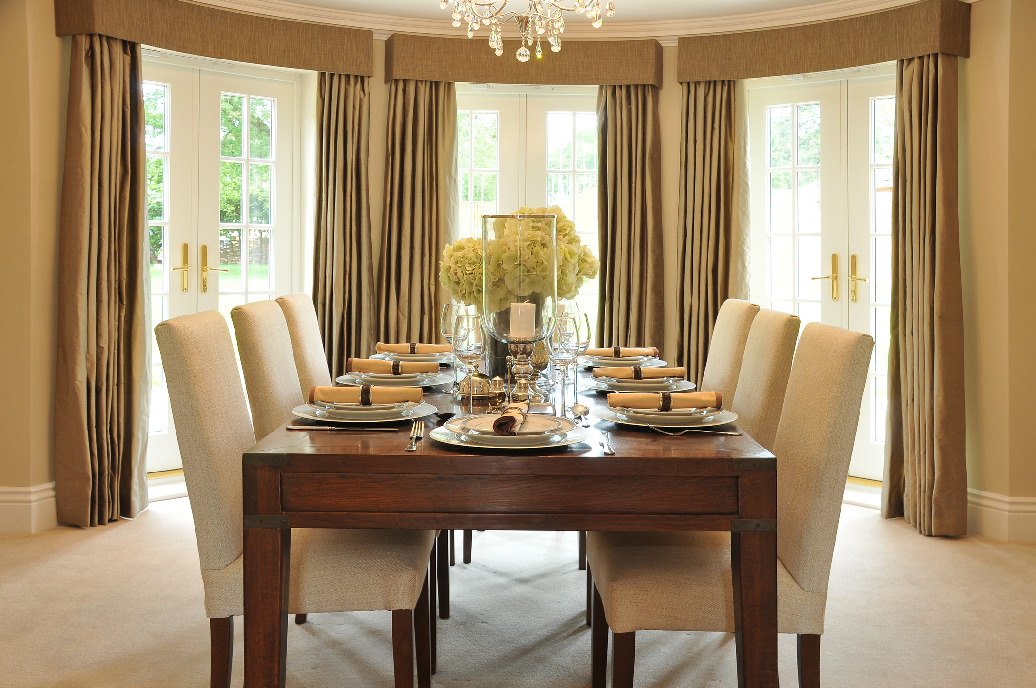 Buy Custom Drapes for a Bold and Beautiful Look in Any Room